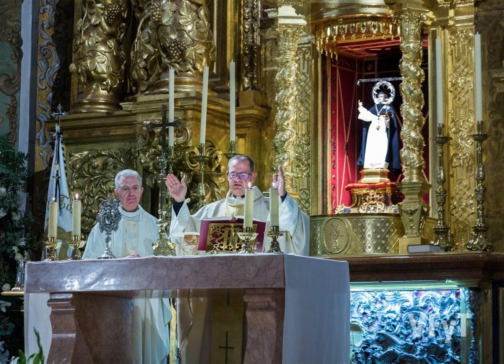 Celebración de la eucaristía vicentina en San Nicolás. Foto de Manolo Guallart.