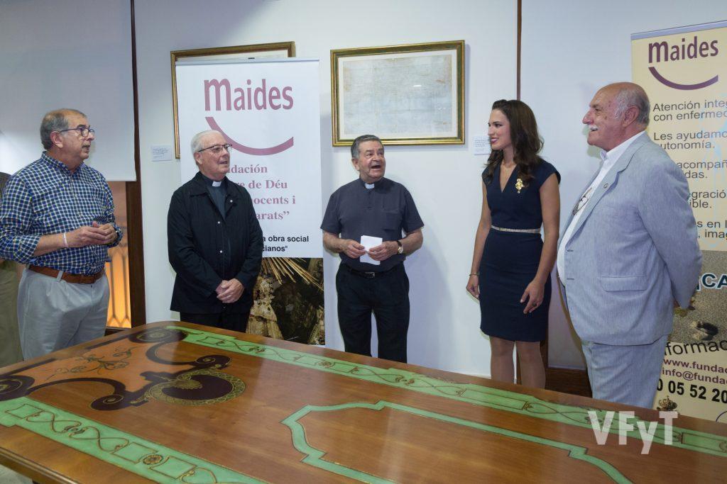Salvador Arnau, Juan Bautista Antón, José Máximo Llledó, Alicia Moreno y Juan Arturo Devís en el acto de MAIDES. Foto de Manolo Guallart.