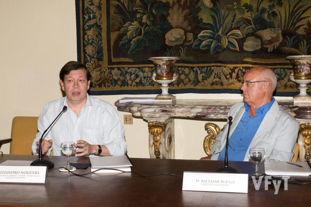 (Izda.) Alejandro Noguera, director del Museo L´Iber, en la intervención final. Foto de Manolo Guallart.