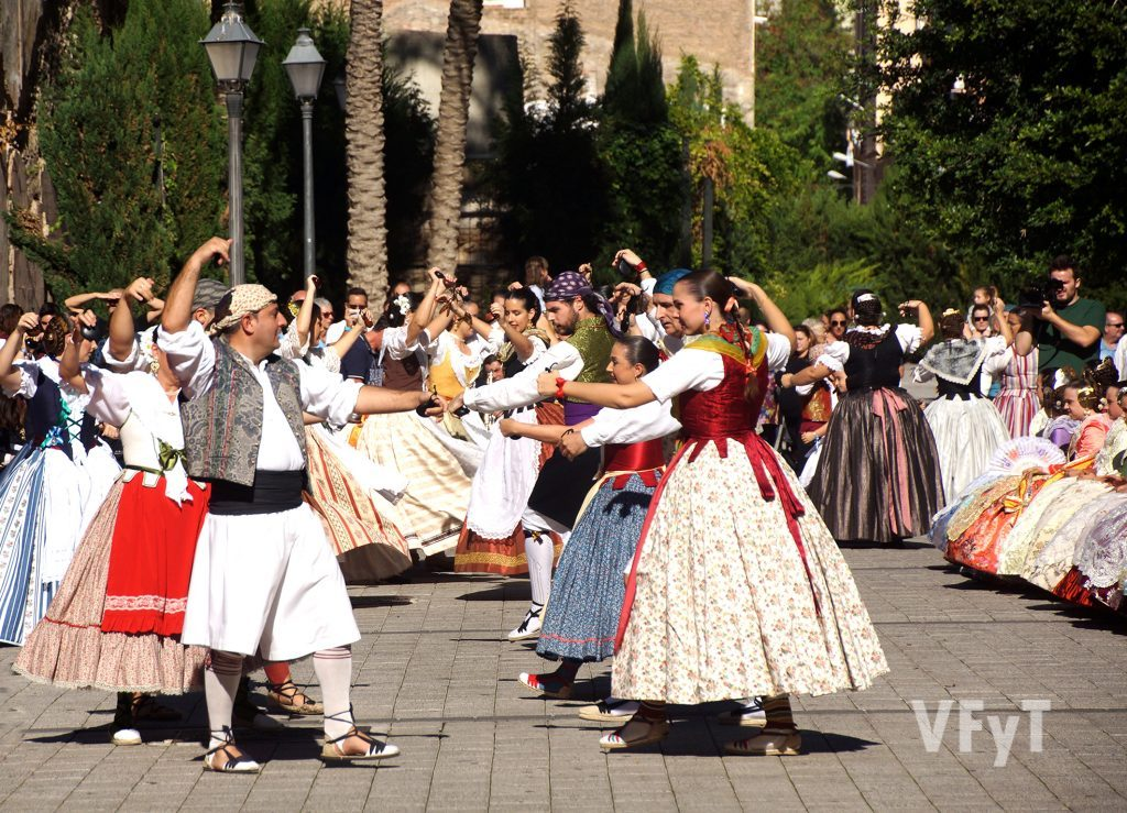 Bailes regionales por las fallas de la Agrupación Marítimo. Foto de Antonio Cerveró.