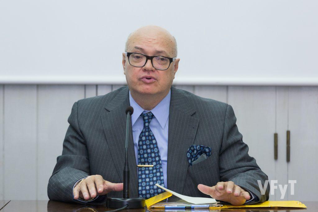 José Luis Lliso (presidente del ARCHIVAL) coordinó las Jornadas de Centros Históricos. Foto de Manolo Guallart.