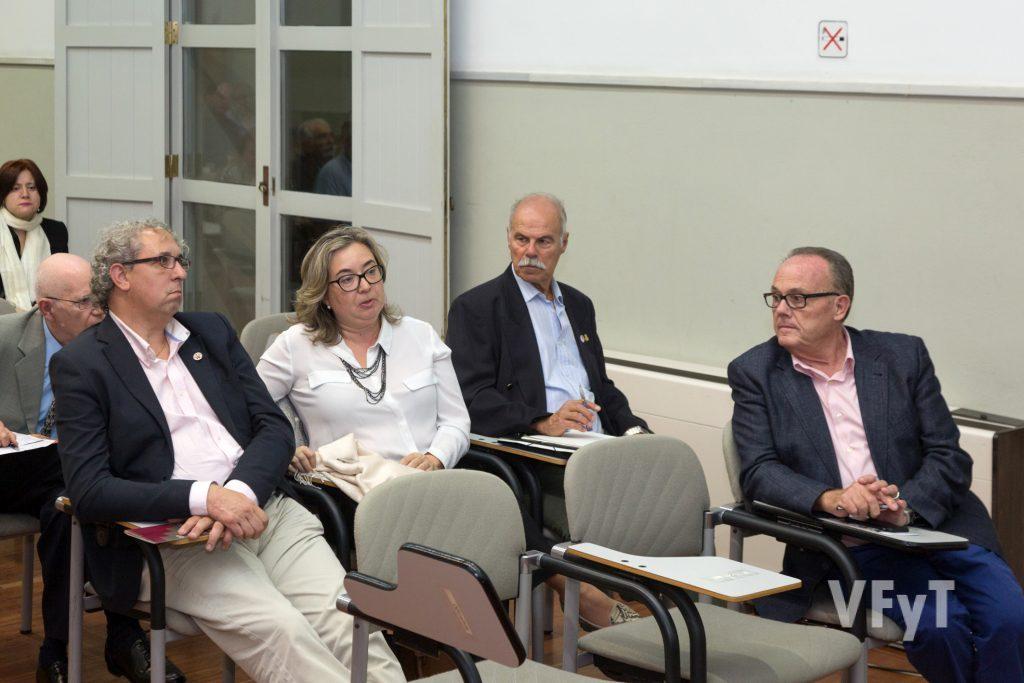 Un momento del debate tras una de las ponencias. Foto de Manolo Guallart.