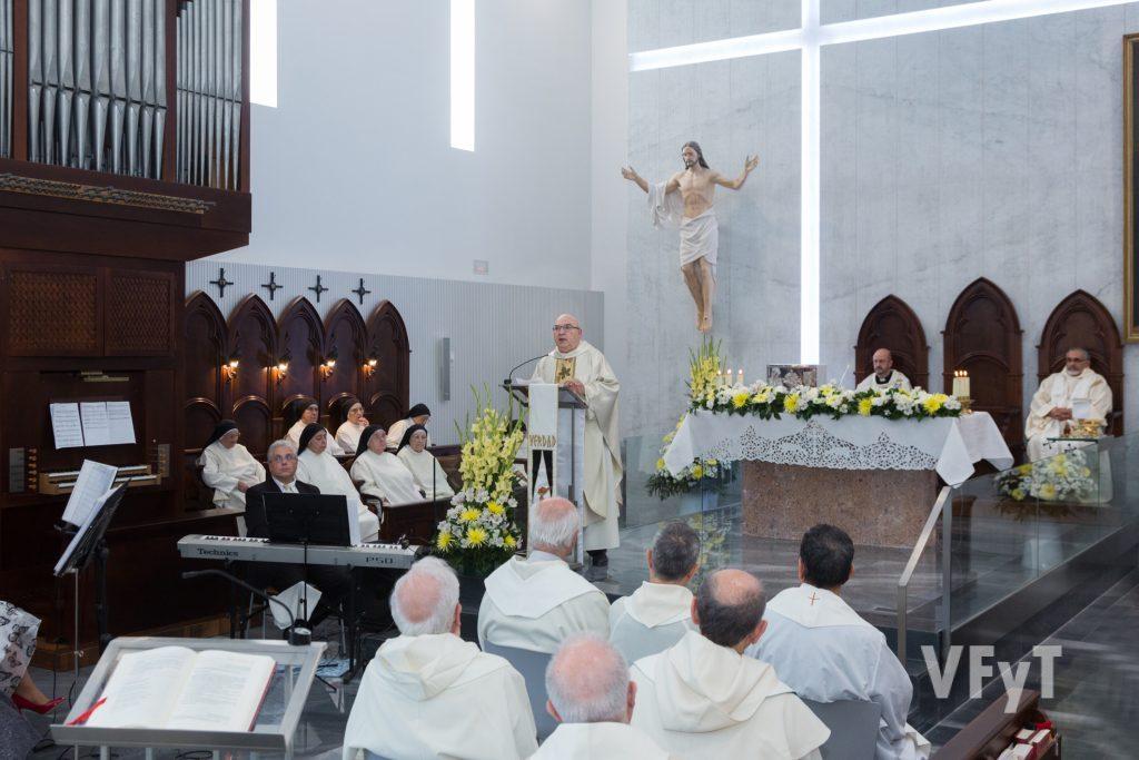 El vicario episcopal para la Vida Consagrada, Martín Gelabert, en su homilía. Foto de Manolo Guallart.
