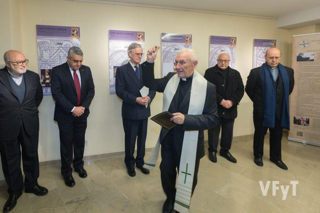 Bendición de la exposición vicentina de los Caballeros Jurados. Foto de Manolo Guallart.