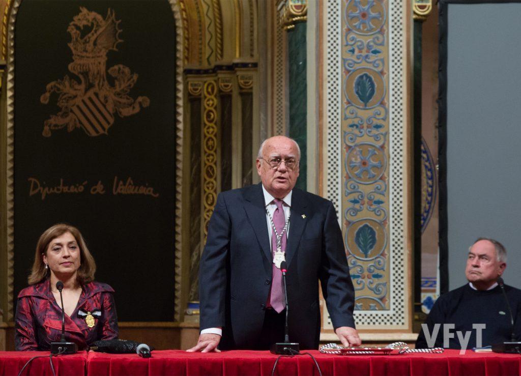 José Miguel López, presidente del altar del Carmen, en su intervención. Foto de Manolo Guallart.