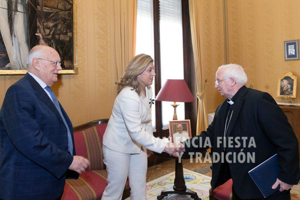 Recibida en audiencia por el arzobispo de Valencia, cardenal Antonio Cañizares.