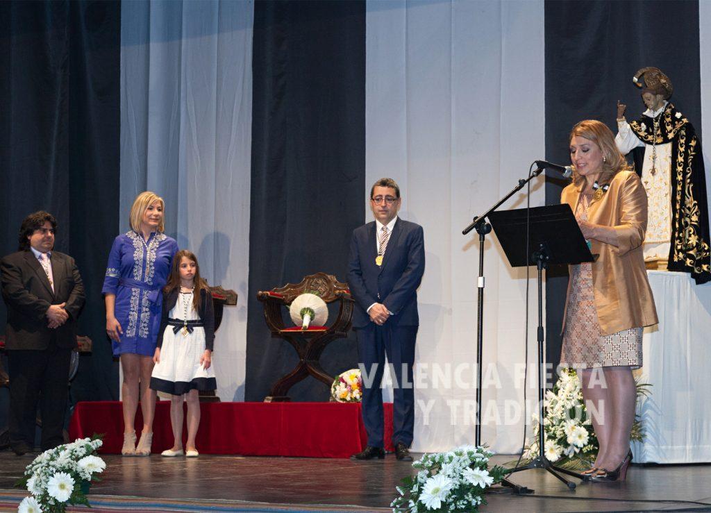 En el acto de proclamación de las clavariesas mayores del altar de Riba-roja.