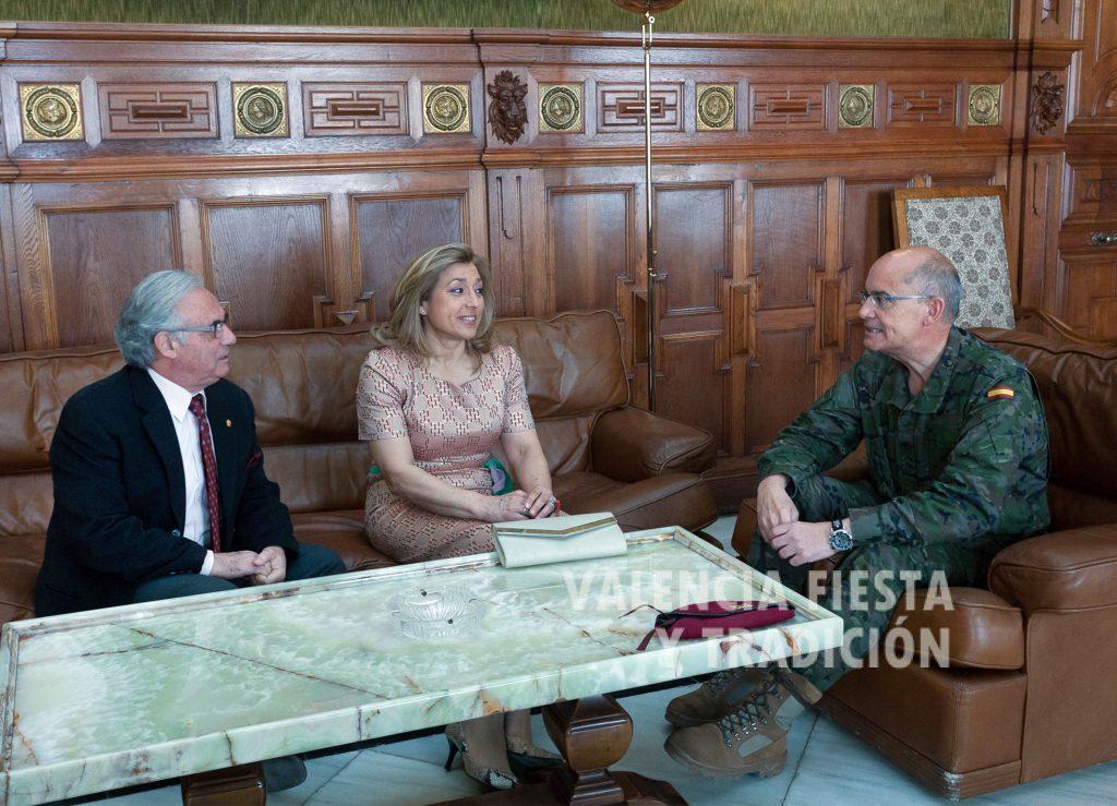 Con el general Juan Montenegro en la visita al Cuartel General Terrestre de Alta Disponibilidad (Capitanía General).