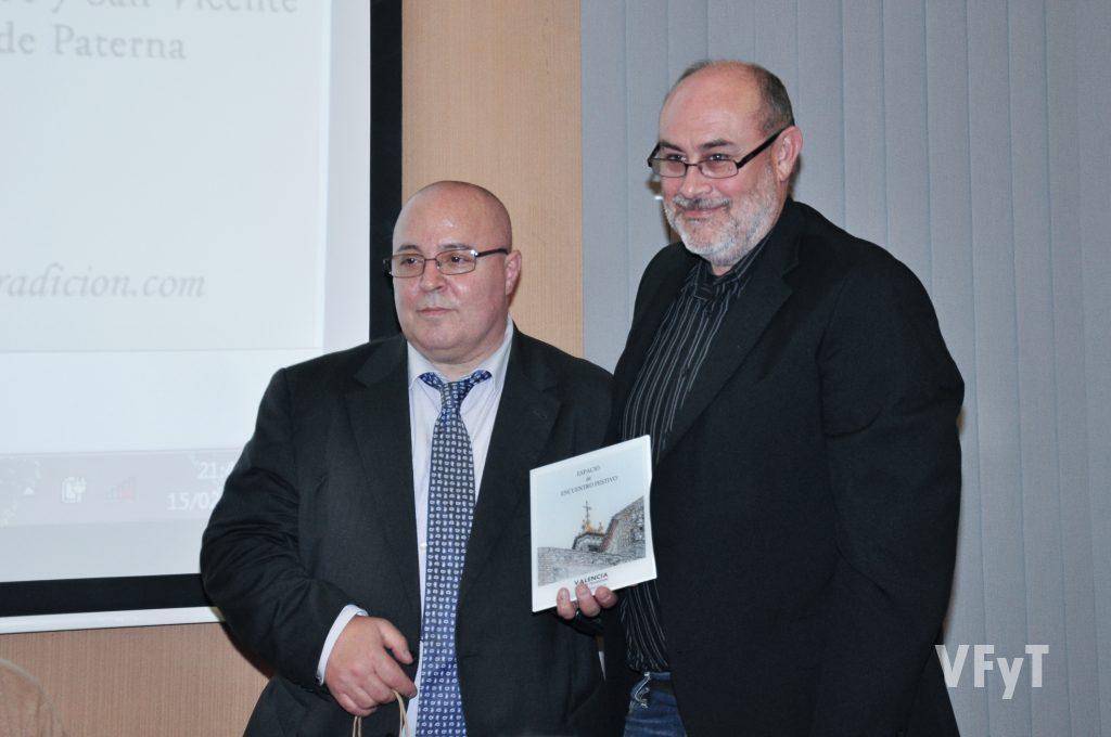 El Coeter Major Antonio Monrabal con Manolo Guallart. Foto de Vicente Almenar.