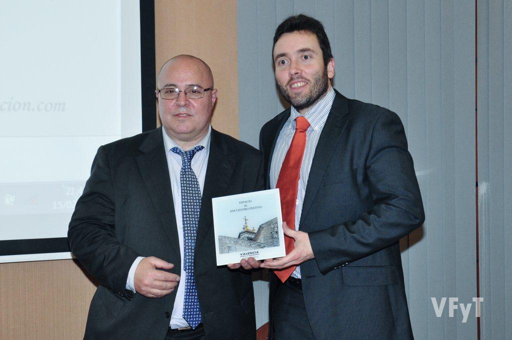 Mikel Pagola con Manolo Guallart. Foto de Vicente Almenar.