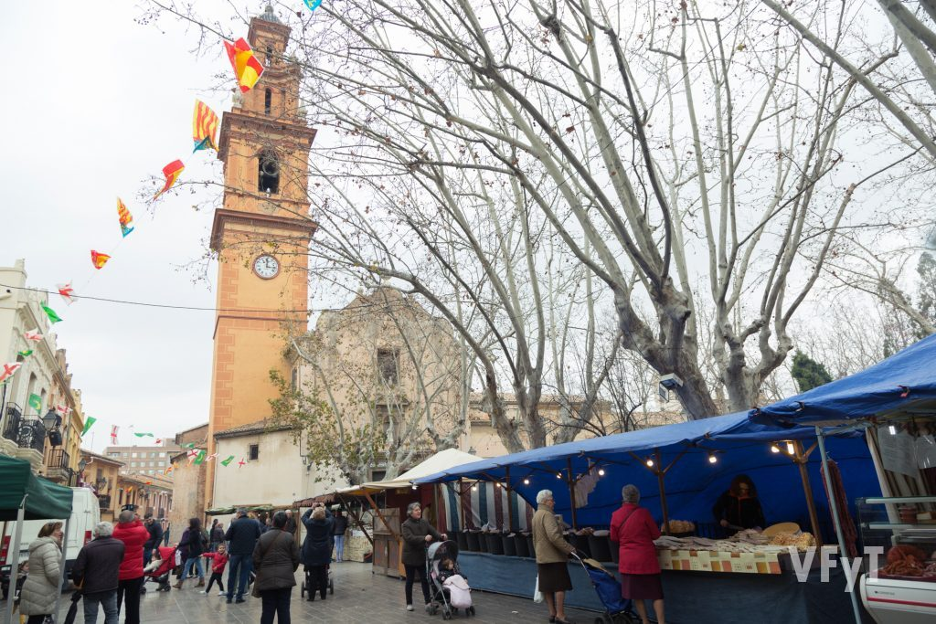 """El """"porrat"""" en las fiestas del barrio valenciano de Campanar. Foto de Manolo Guallart."""