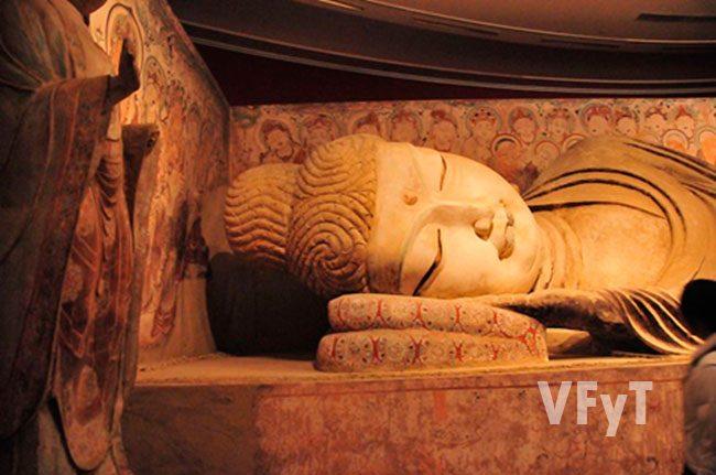 Paranirvana de Buda Gruta 158. Mogao (Dunguang) Autor: Gongfu, King. © bajo licencia Creative Commons Genérica de Atribución/Compartir-Igual 2.0.
