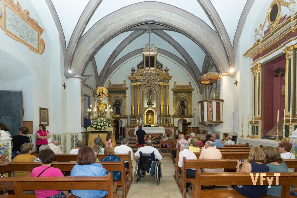Ronda nocturna a la Virgen en la parroquia de San Miguel Árcangel de Murla.