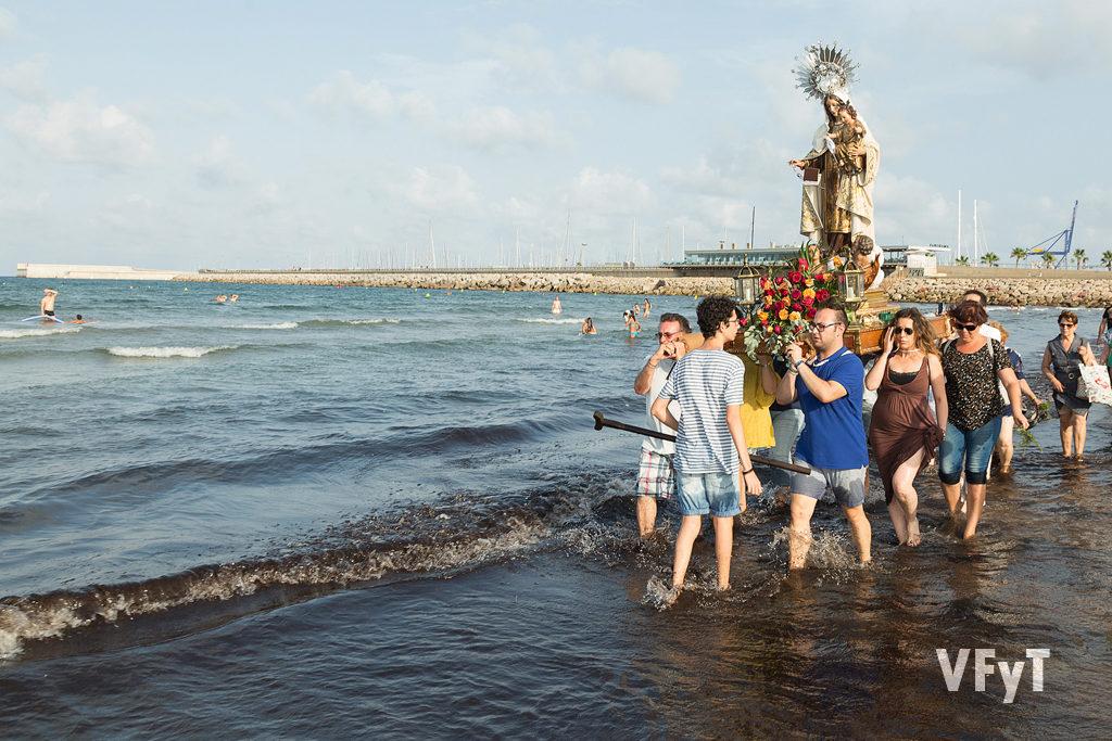 Romería hasta el mar de la Virgen del Carmen