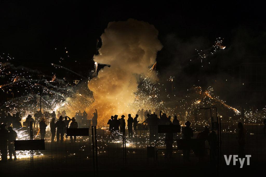 Tiro tradicional en el Parque Central con motivo de las fiestas patronales de Paterna. Foto de Manolo Guallart.