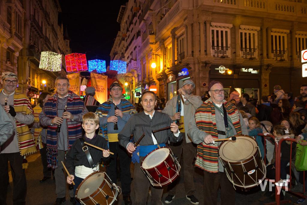 Música tradicional, con Tabal i dolçaina, en las fiestas valencianas. Foto de Manolo Guallart.
