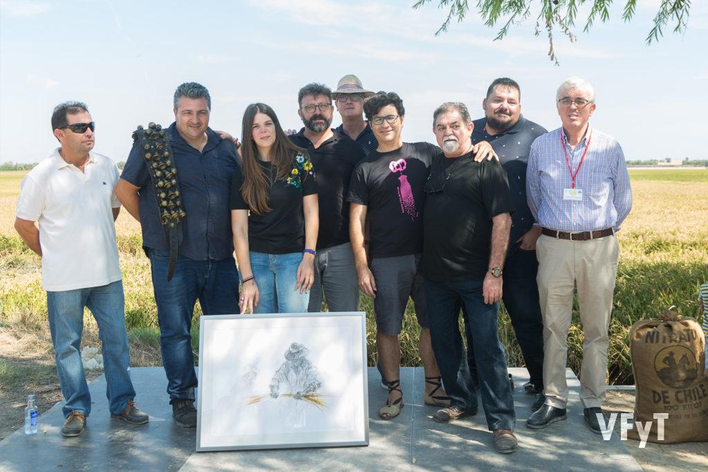 Participantes en el concurso 'Cants de Batre' en la Fiesta de la Siega del Arroz en el Port de Catarroja