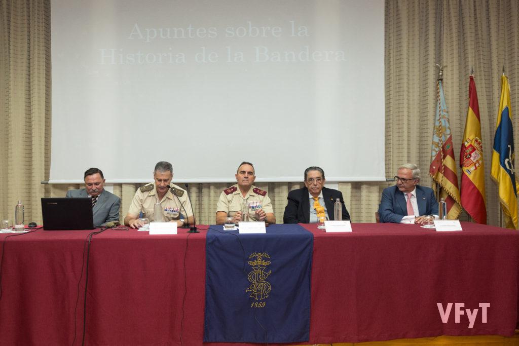 Presentación exposición - De izquierda a derecha: Jesús Dolado, Comisario de la Exposición, Coronel Morenza, Teniente General Gan, Manuel Sanchez Luengo, Eduardo Robles.