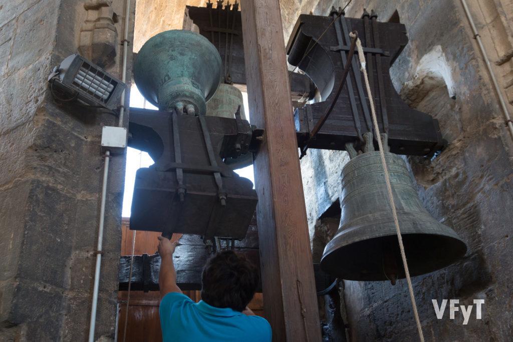 Detalle de dos campanas del Micalet en la Catedral de Valencia, BIC en 2013. Foto de Manolo Guallart.