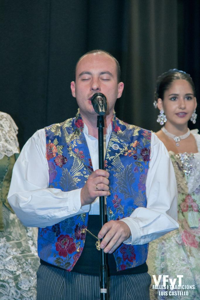 La actuación del cantante Raúl Rubio.