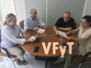 De izda. a dcha., Lourdes Bernal y Alfonso Novo (PP), con Raúl Rubio y Mª Carmen Feliu (Mestres Campaners)