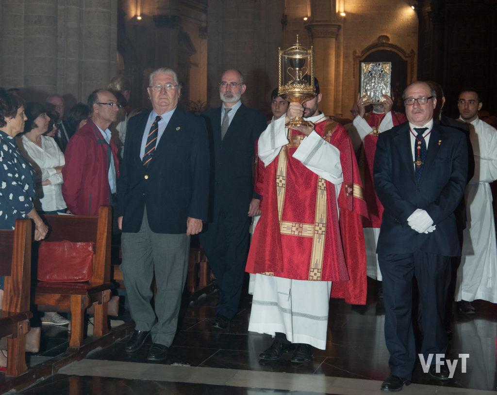 Procesión en la Fiesta anual del Santo Cáliz