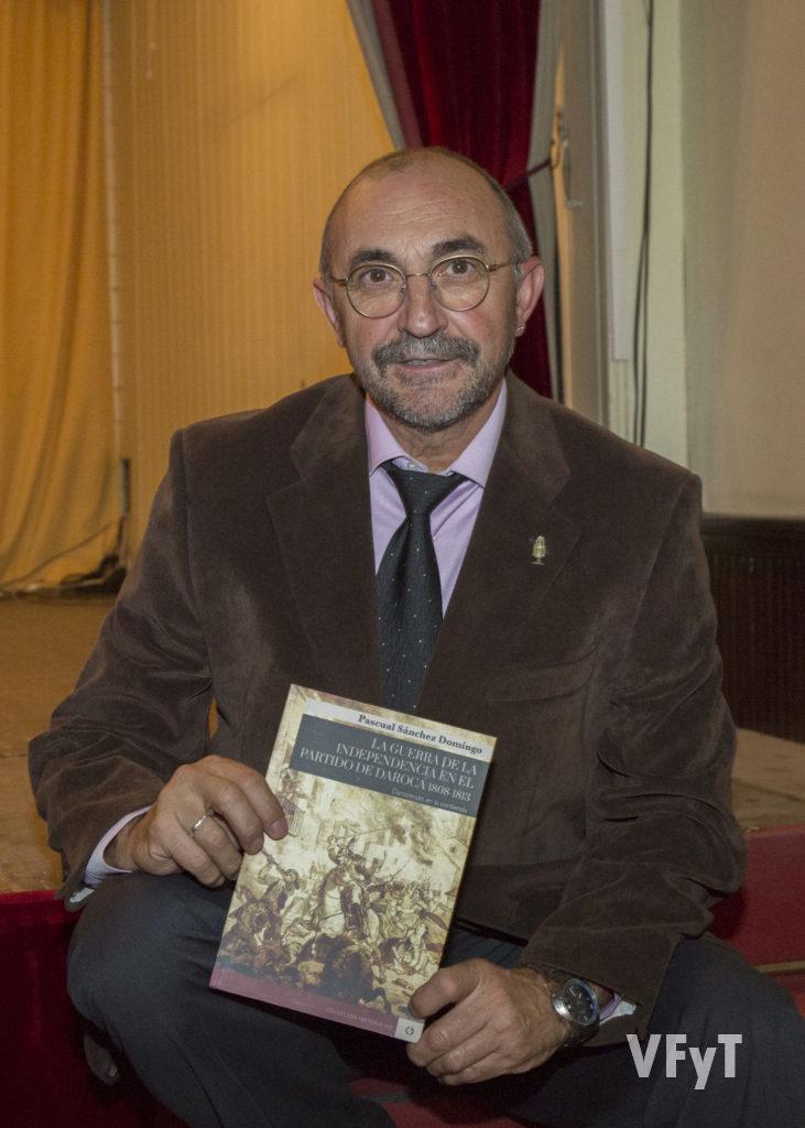 Pascual Sánchez Domingo con su libro 'La Guerra de la Independencia en el Partido de Daroca. 1808-1813'