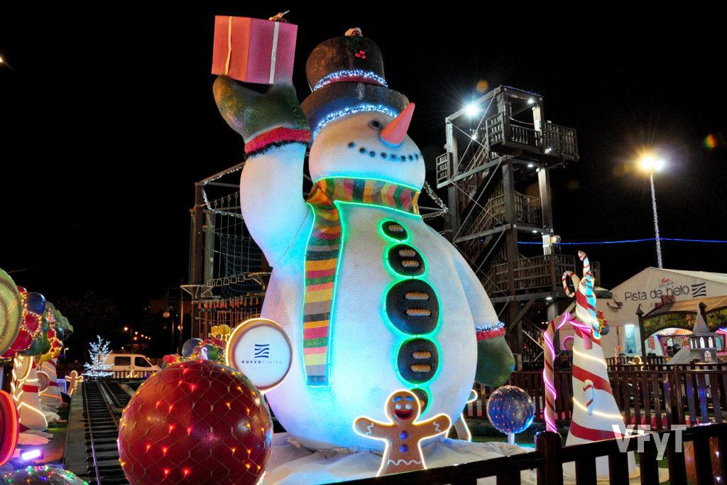 Ambiente navideño en el centro comercial Nuevo Centro. Foto de Vicente Almenar.