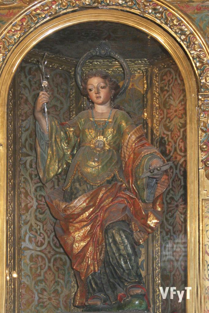Santa Lucía en el altar mayor de la ermita. Foto Manolo Guallart.