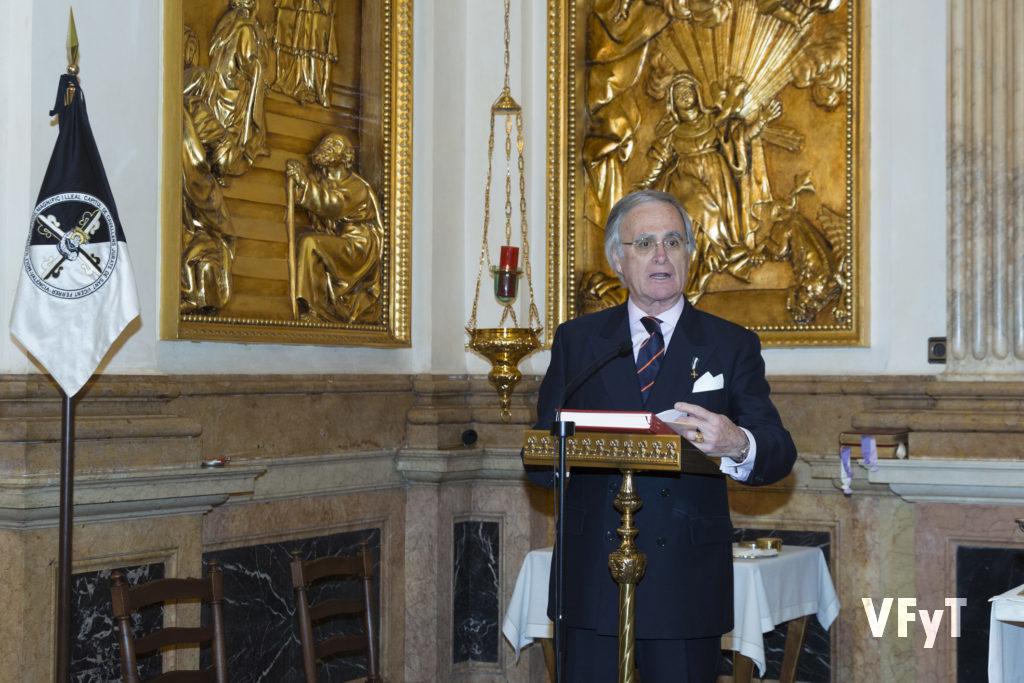 El Lloctinent General de los Caballeros Jurados de San Vicente Ferrer, José Fco. Ballester-Olmos en su parlamento tras la eucaristía. Foto de Manolo Guallart.