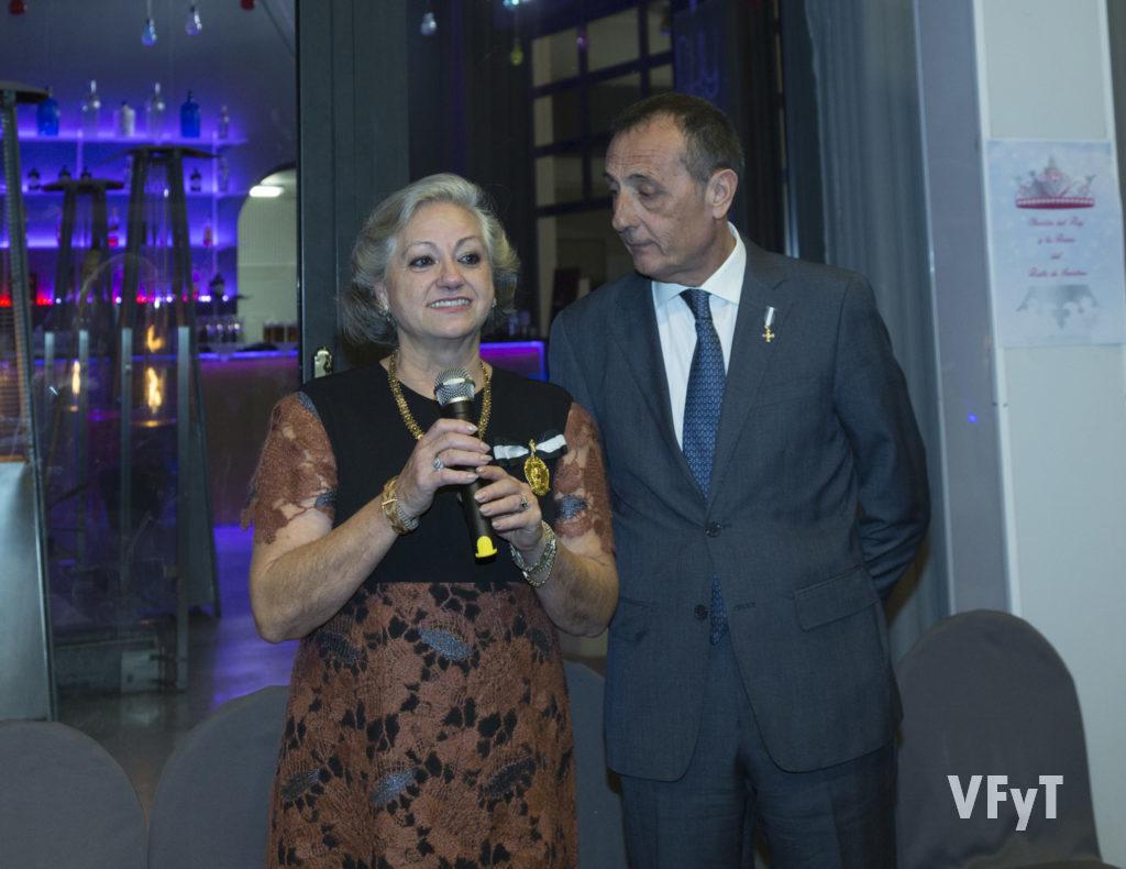 Carmela Morell, Honorable Clavariesa de las Fiestas Vicentinas 2017, con el caballero jurado Xavier Catalán. Fotografía de Manolo Guallart.