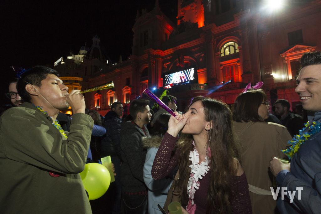 Fin de Año 2017 en la plaza del Ayuntamiento de Valencia. Foto de Manolo Guallart.