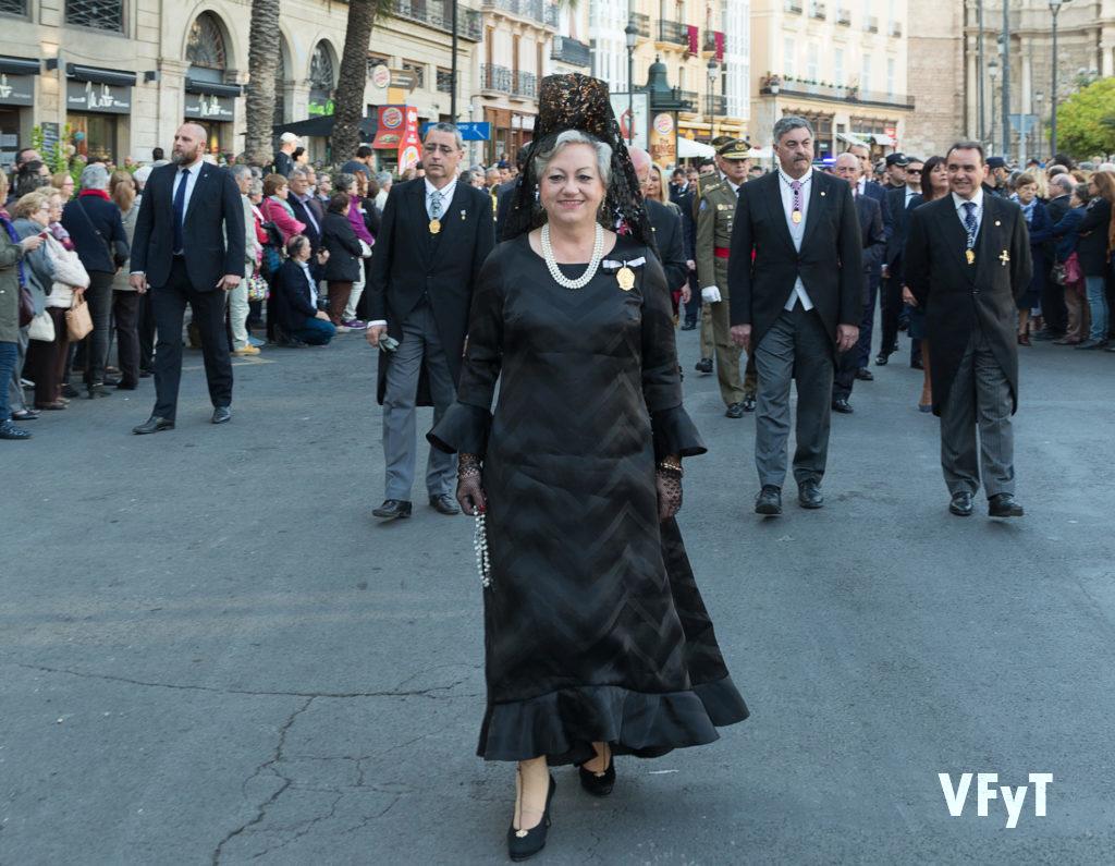 Carmela Morell en la solemne procesión de San Vicente Ferrer, Foto de Manolo Guallart.