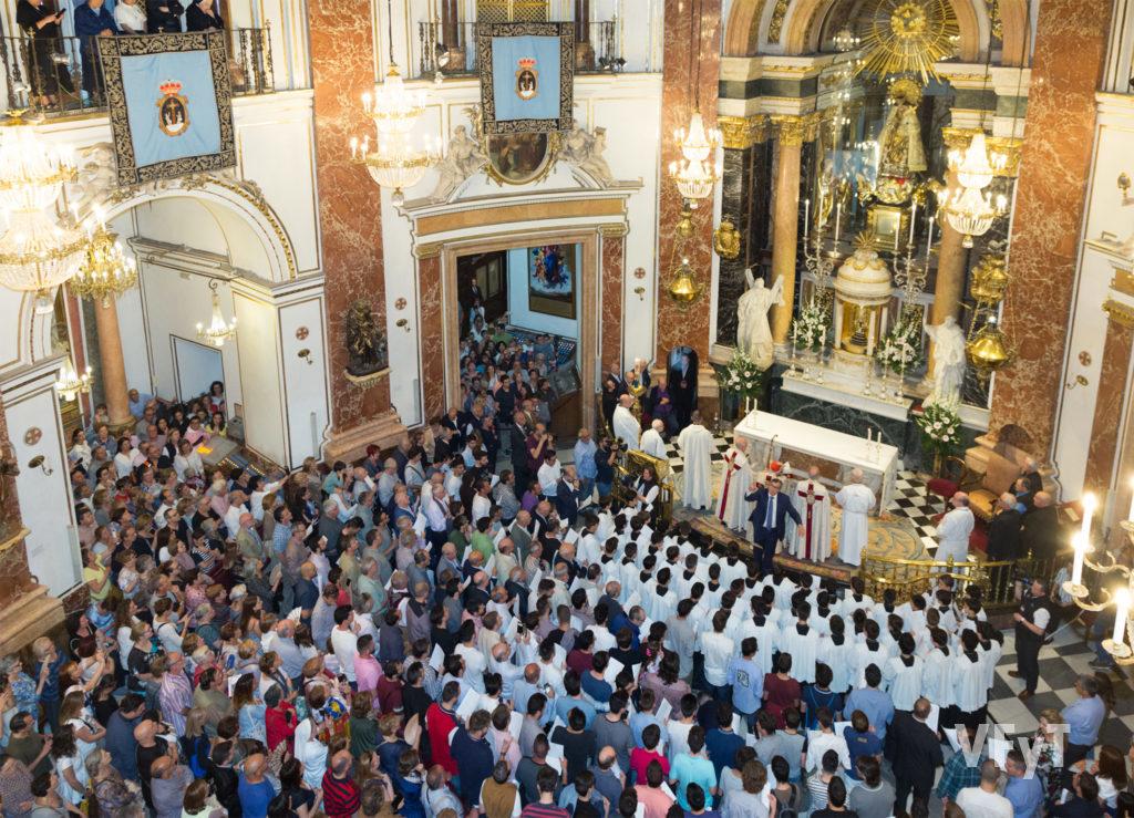 La Salve Solemnísima que se celebra la víspera de la Virgen de los Desamparados. Foto de Manolo Guallart.