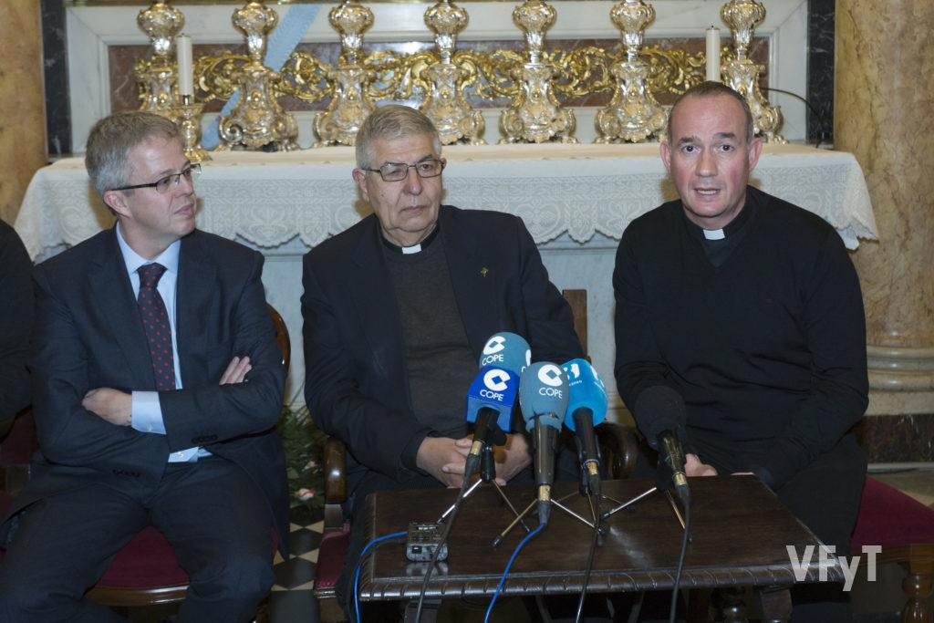 La intervención del Álvaro Almenar, vice-rector de la Basílica. Foto de Manolo Guallart.