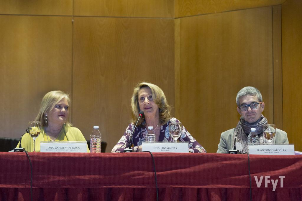 La escritora Luz Macías en una de sus intervenciones.