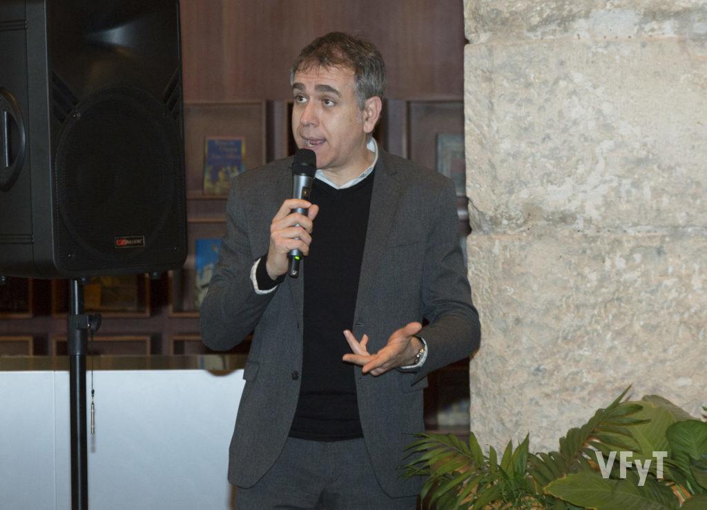Josep Lluís Marín en la conferencia 'Conservant les Falles'. Foto de Manolo Guallart.