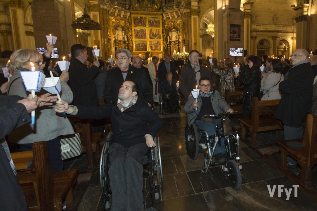 Procesión de las Antorchas. Virgen de Lourdes en la Catedral de Valencia. Foto de Manolo Guallart.