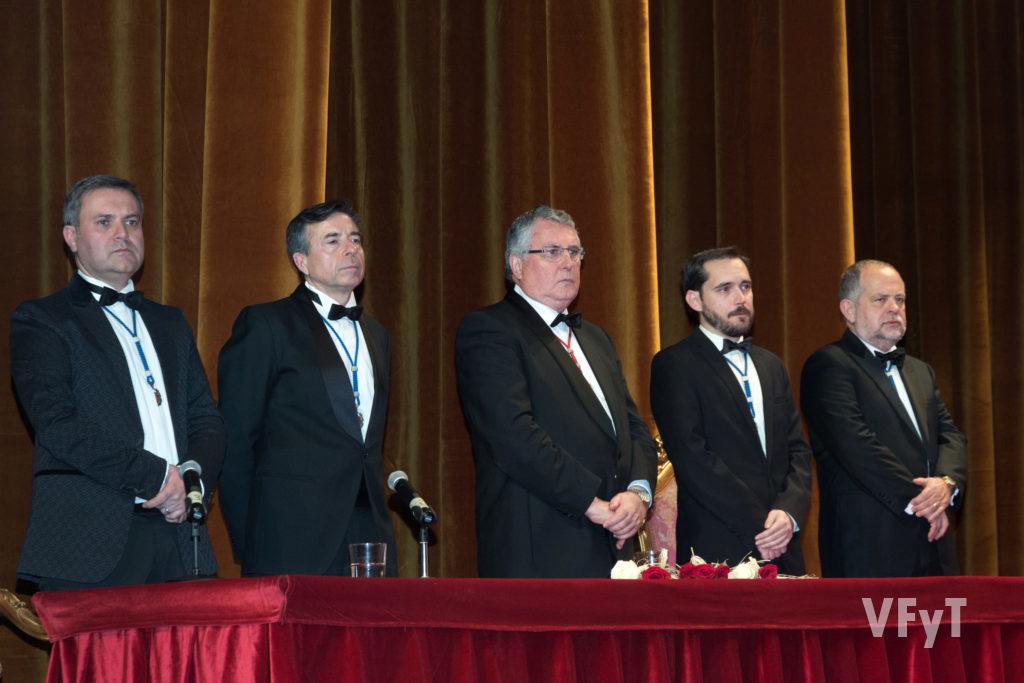 Presidència del acte en 2017 (Enric Esteve, en el centre). Foto de Manolo Guallart.