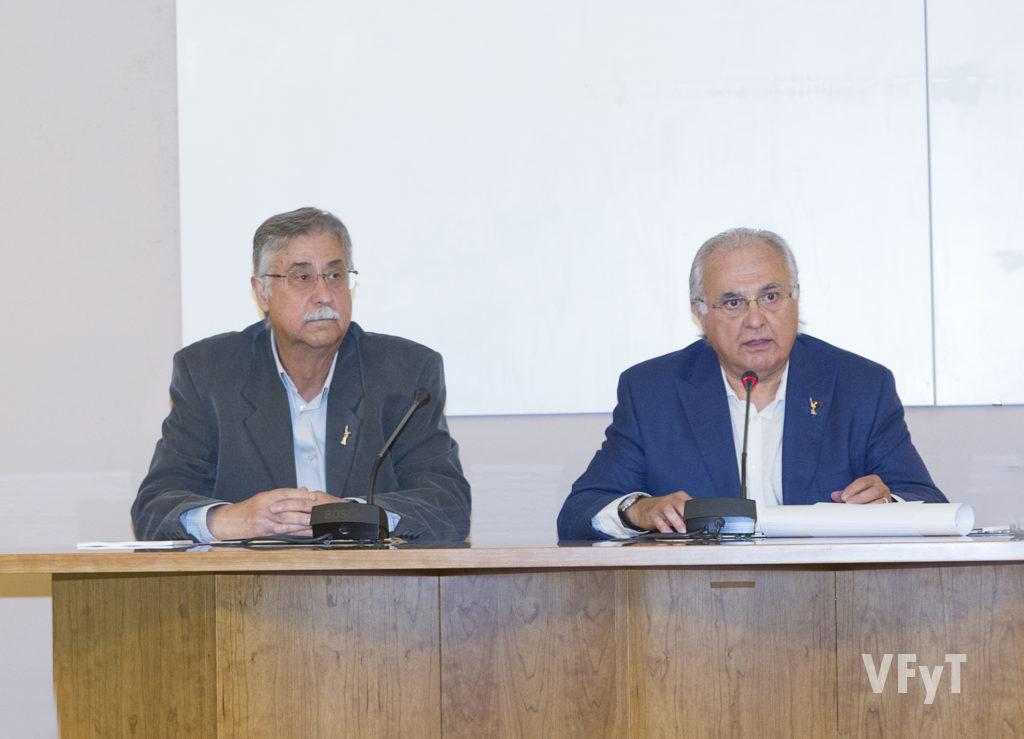 Pedro Molero con el presidente de Amics del Corpus, Francisco Esteve