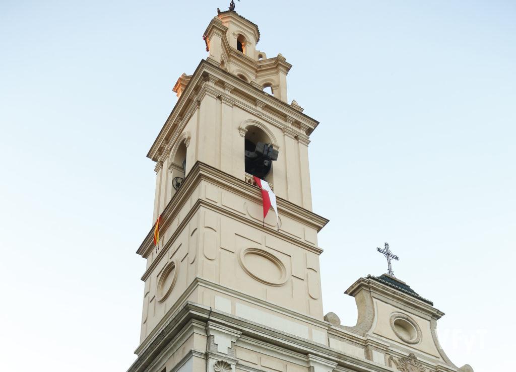 Campanario de El Salvador y Santa Mónica en la calle de Sagunto. Foto de Manolo Guallart.