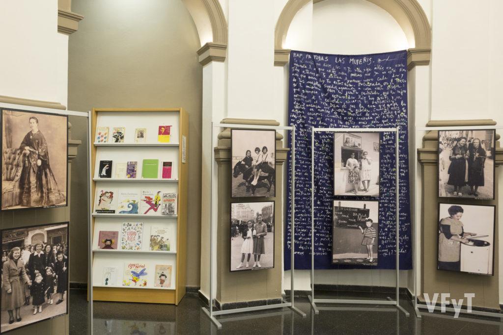 Exposición 'La dona valenciana 1870-1970', de Rafael Solaz. Foto de Manolo Guallart.