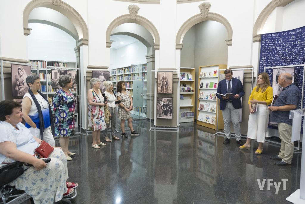 La muestra ha sido inaugurada por María Such, directora general del Instituto Valenciano de las Mujeres y de la Igualdad de Género. Foto de Manolo Guallart.