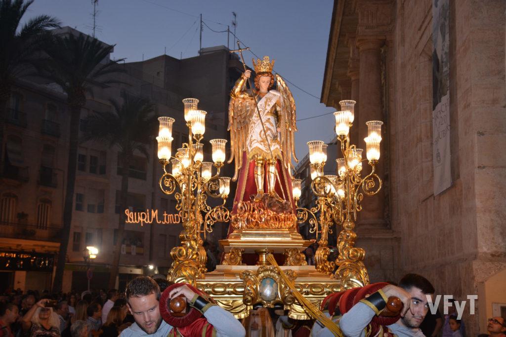 Procesión de San Miguel de Lliria. Foto de Vicente Almenar.