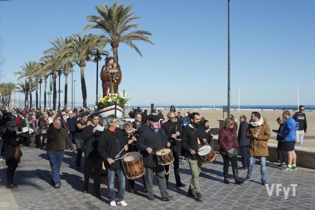 La Virgen de la Buena Guía en el Paseo Marítimo de Valencia durante la procesión de 2017. Fotografía de Manolo Guallart.