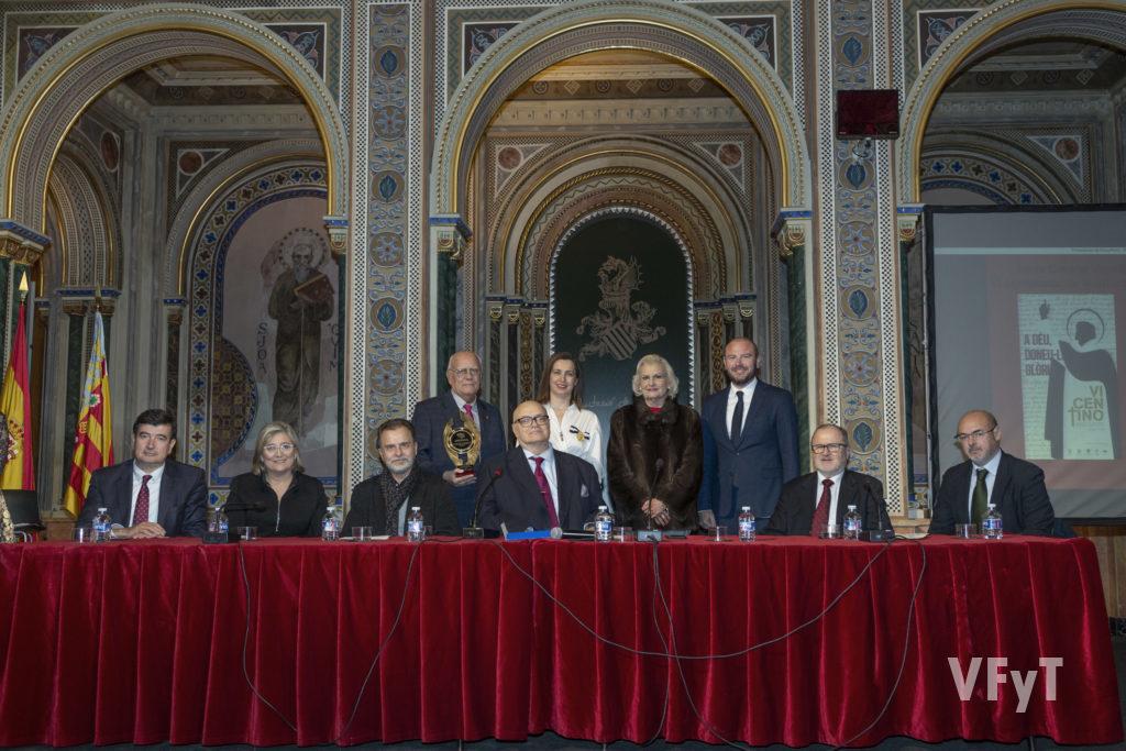 La Junta Central Vicentina recibió el premio ARCHIVAL en el Año Santo Jubilar Vicentino y por el VI Centenario de la muerte de San Vicente Ferrer. Foto de Manolo Guallart.