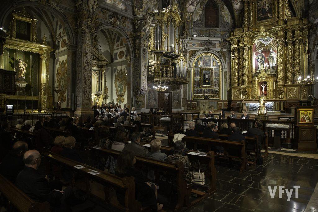 Velada poética a la Virgen de los Dolores organizada por Lo Rat Penat en la parroquia de San Nicolás. Foto de Manolo Guallart.
