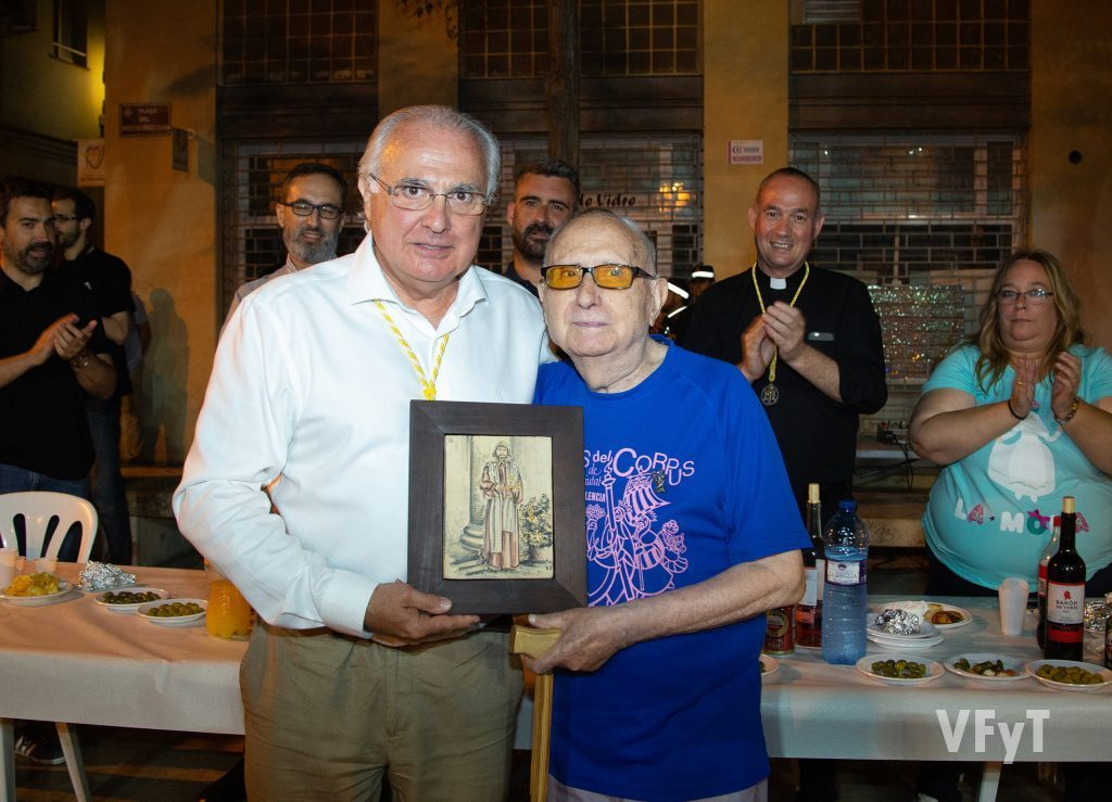 Con Francisco Esteve, presidente de Amics del Corpus. (Foto: Manolo Guallart)