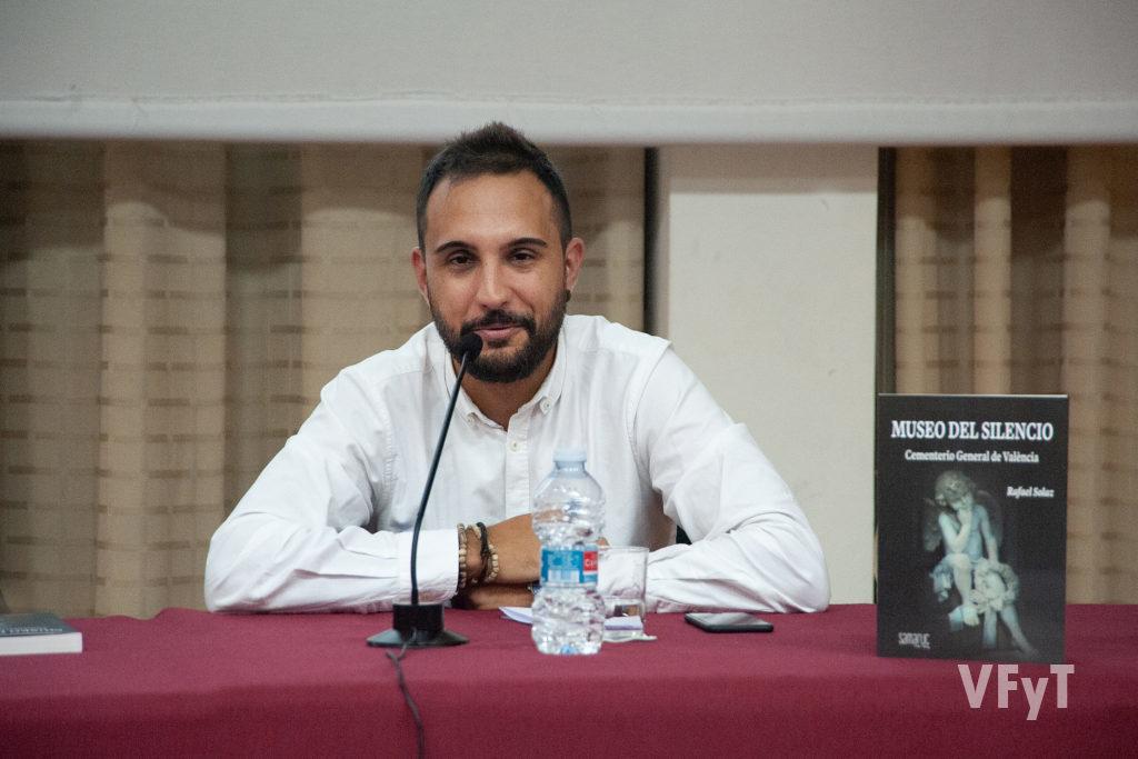 El concejal de Cementerios, Alejandro Ramón, en su intervención.