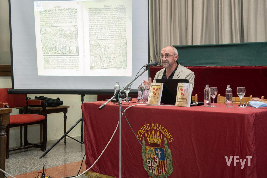 El historiador darocense Pascual SÁnchez, durante la presentación del libro 'Setenta leguas' sobre el 'Misterio de los Corporales'. Foto: Manolo Guallart.